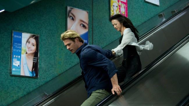 Chris Hemsworth et Tang Wei en pleine course poursuite dans Hacker, de Michael MannChris Hemsworth et Tang Wei en pleine course poursuite dans Hacker, de Michael Mann