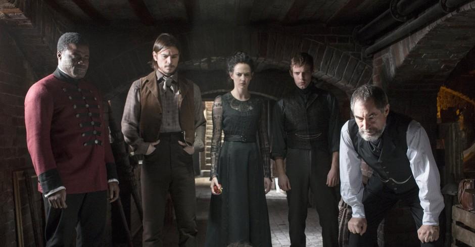 Ethan Chandler, Vanessa Ives et le Docteur Frankenstein devant une curieuse découverte.