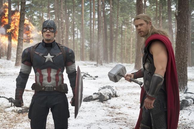Captain America et Thor dans le deuxième volet des Avengers © Marvel 2015