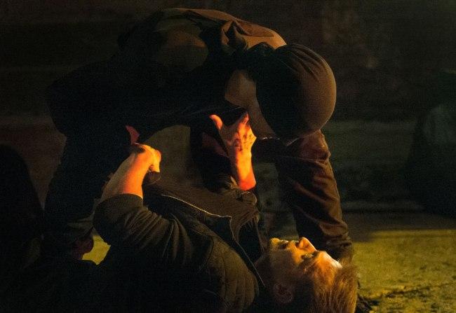 Daredevil en combat rapproché dans la série de Netflix. © Netflix / Barry Wetcher