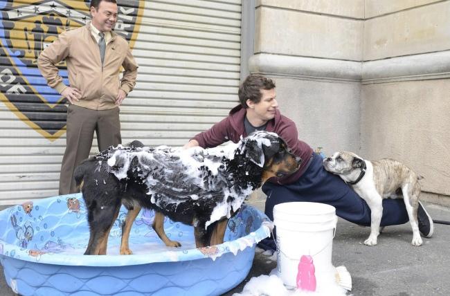 Peralta (Andy Samberg) et (Joe Lo Truglio), toujours inséparables. © Ron Eisenberg/FOX
