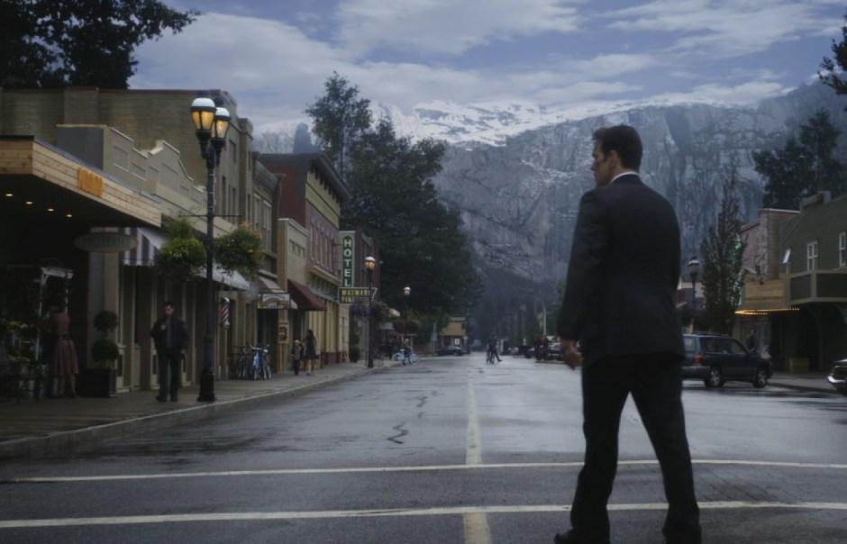 Ethan Burke (Matt Dillon) découvre Wayward Pines. © Liane Hentscher/FOX