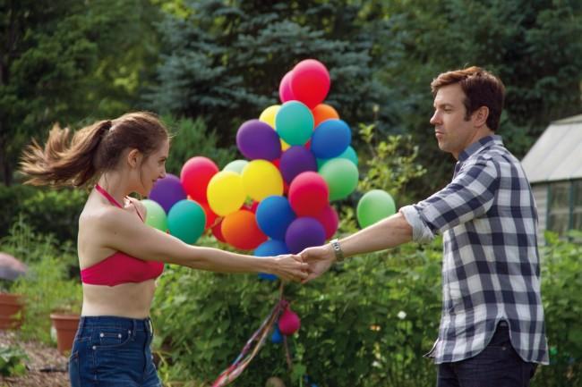 Alison Brie et Jason Sudeikis dans Sleeping with other people. © La Belle Company