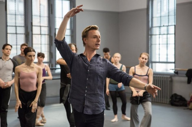 Paul (Ben Daniels) dans Flesh and Bone © Patrick Harbron - Starz Entertainment, LLC