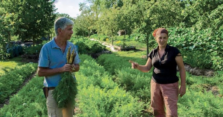 Charles et Perrine Hervé-Gruyer, à la ferme exemplaire du Bec-Hellouin, Normandie © Mars Distribution