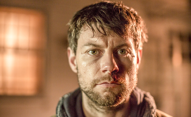 Kyle Barnes (Patrick Fugit), héros de la série Outcast, de Robert Kirkman © Niko Tavernise/FOX International Studios