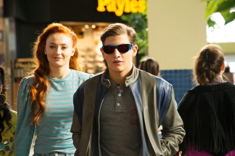 Les jeunes Jean Grey (Sophie Turner) et Cyclope (Tye Sheridan). X-Men : Apocalypse. Copyright Twentieth Century Fox France