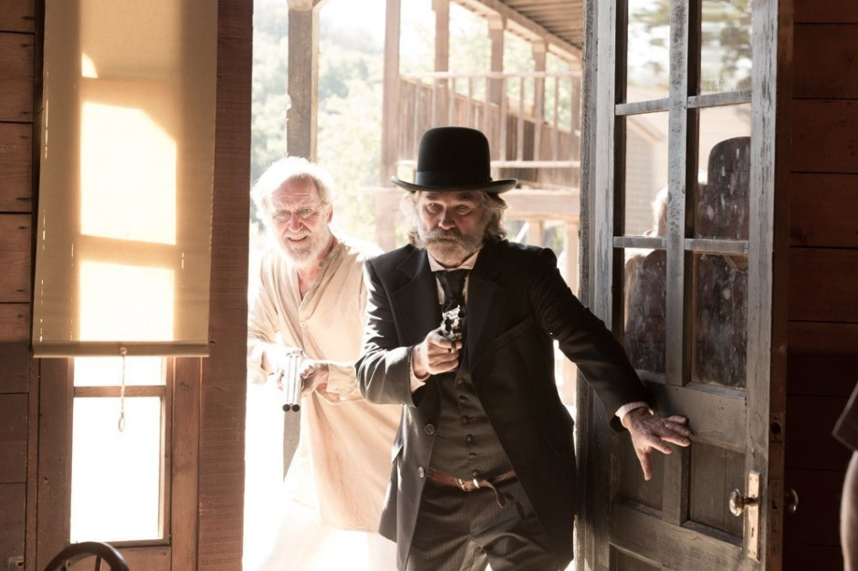 Le sheriff et Chicory (Richard Jenkins) © The Jokers / Le Pacte