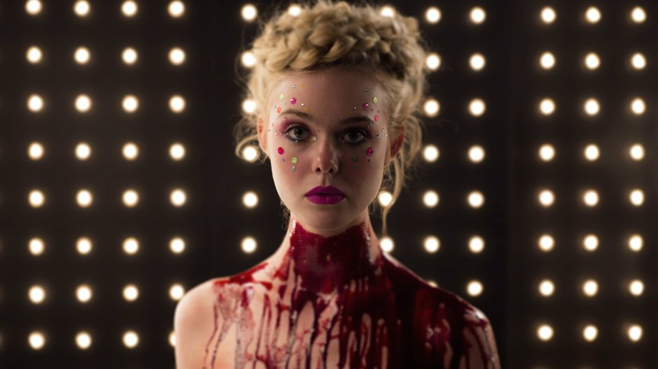 Elle Fanning rêve de percer dans le mannequinat, dans The Neon Demon de Nicolas Winding Refn © The Jokers
