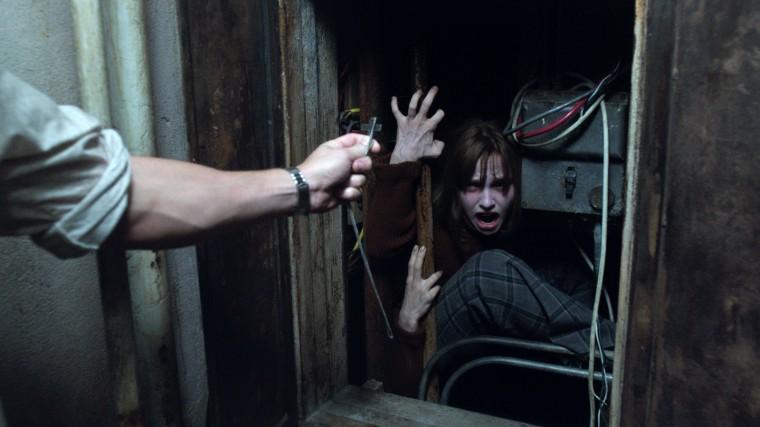 """© Warner BrosDans """"Conjuring 2 : le cas Enfield"""", Janet (Madison Wolfe) devient vite la proie des esprits démoniaques frappeurs. La persécution va vite dégénérer en affaire de possession. © Warner Bros"""