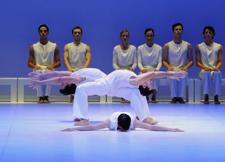 Les danseurs du ballet de l'Opéra National de Bordeaux dansent Le Messie de Mauricio Wainrot © Sigrid Colomyes