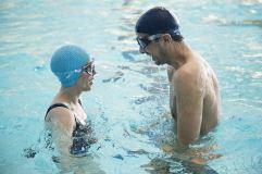 Agathe (Florence Loiret-Caille) et Samir (Samir Guesmi) dans L'Effet aquatique de Solveig Anspach © Le Pacte