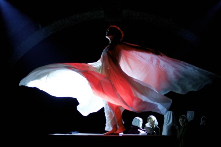 Loïc Fuller (Soko) au sommet de son art, sublimée par la caméra de Stéphanie di Giusto © 2016 PROKINO Filmverleih GmbH