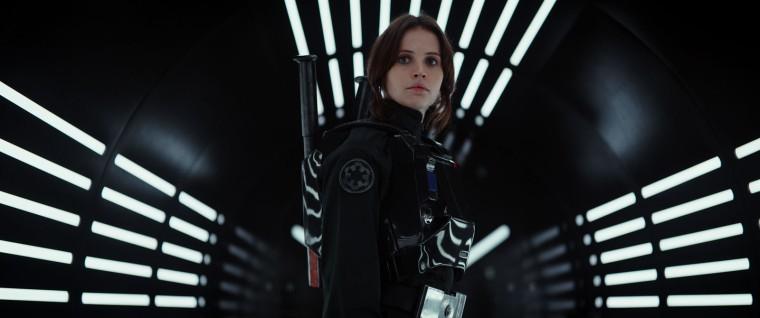 """""""Rogue One"""" de Gareth Edwards met en scène la téméraire Jyn Erso (Felicity Jones), leader malgré elle de son escadron. En quête de vengeance, la jeune femme mènera sa mission à bien quitte à sacrifier beaucoup... ©Lucasfilm LFL"""