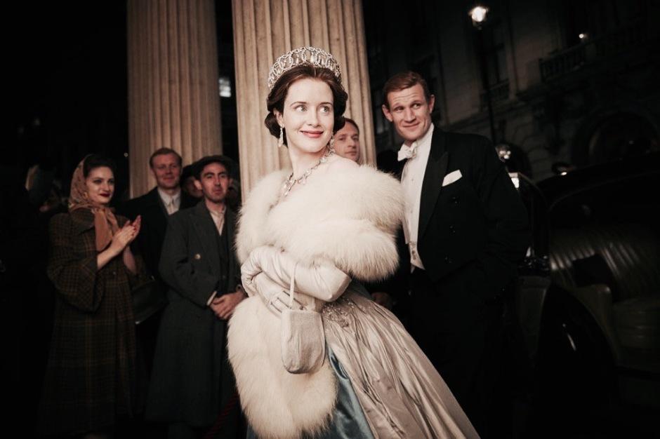 Queen Elisabeth II (Claire Foy) avec son époux Philip Mountbatten (Matt Smith) dans The Crown, création Netflix © Netflix