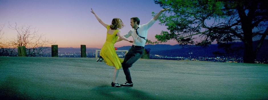 Mia (Emma Stone) et Sebastian (Ryan Gosling) s'apprivoisent dans La La Land de Damien Chazelle © SND