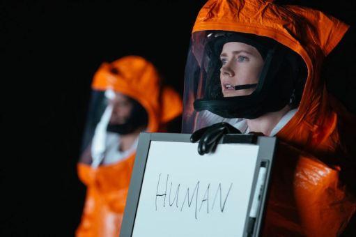 Louise (Amy Adams) établit le premier contact avec les extraterrestres © 2016 Sony Pictures Releasing GmbH