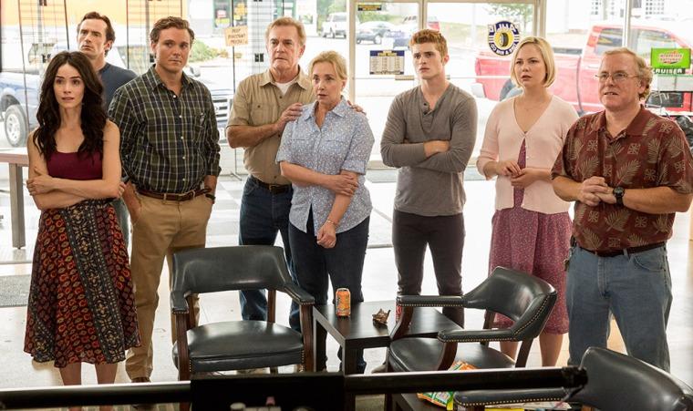 Tous les personnages secondaires (ou presque) sont réunis dans cette scène de la saison 4 de Rectify © Sundance TV