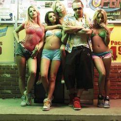 Alien (James Franco) et son nouveau gang de filles dans Spring Breakers de Harmony Korine © Muse Productions
