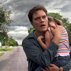 Curtis LaForche (Michael Shannon) est hanté par des cauchemars... la menace d'une tornade l'obsède. Est-il devenu fou ? © Ad Vitam