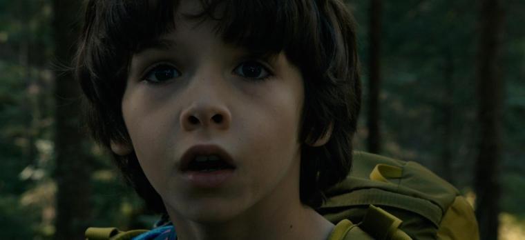 Isolé, le jeune Tom (Timothé Vom Dorp) ne cesse de voir une entité fantomatique au visage défiguré.. ©Pyramide Distribution