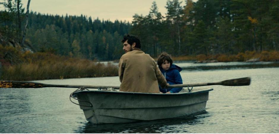 """""""Dans la forêt"""" réalisé par Gilles Marchand avec Timothé Vom Dorp (Tom) et Jérémie Elkaim (le père). ©Pyramide Distribution"""