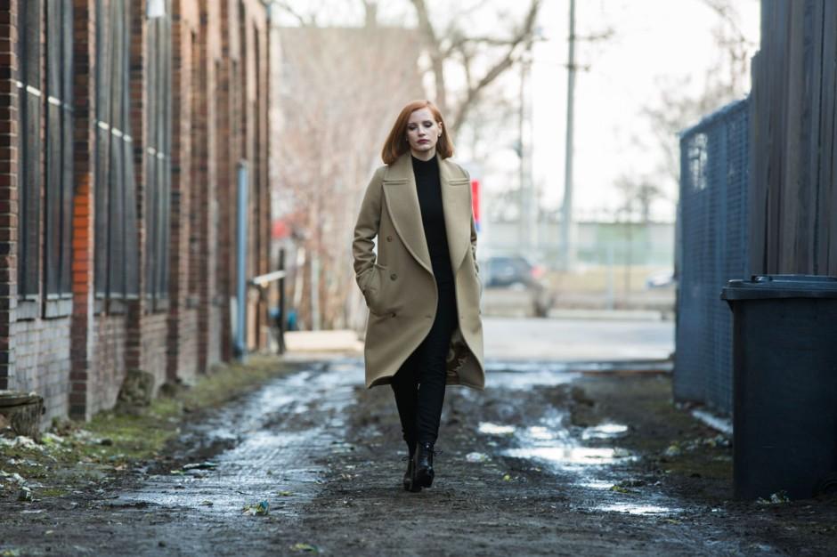 """Jessica Chastain incarne Elisabeth Sloane dans """"Miss Sloane"""" réalisé par John Madden. © Kerry Hayes /Europacorp/France 2 cinéma 2016."""