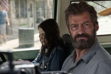 Logan (Hugh Jackman) prend la jeune mutante Laura sous son aile © Twentieth Century Fox France