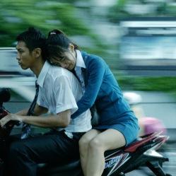 Tous deux clandestins birmans, Guo (Kai Ko) et Lianqing (Wu Ke-Xi) vont se heurter à une capitale thaïlandaise cruelle et abusive envers les immigrés. © Les Acacias