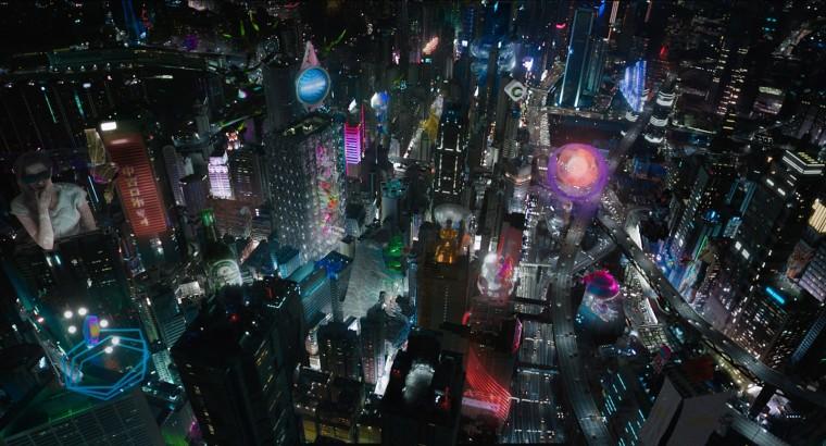 La mégalopole tokyoite futuriste est  jalonnée de gigantesques hologrammes.© 2017 Paramount Pictures