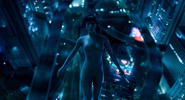 Vivement critiquée, l'Américaine Scarlett Johansson incarne un rôle aux origines asiatiques. Un choix étonnant expliqué pour certains par