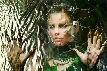 Les super-héros en herbe, futurs Power Rangers, vont devoir affronter la cruelle Rita Repulsa (Elisabeth Banks) © Studio Canal / Kimberley French