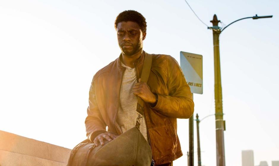 "Chadwick Boseman est Jacob King, le héros du nouveau film de Fabrice Du Welz, ""Message from The King"". © The Jokers / Les Bookmakers"