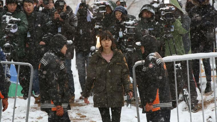 "Doona Bae incarne l'épouse impuissante de Jung-soo dans le dernier film de Kim Seong-hun, ""Tunnel"". © Version Originale Condor"