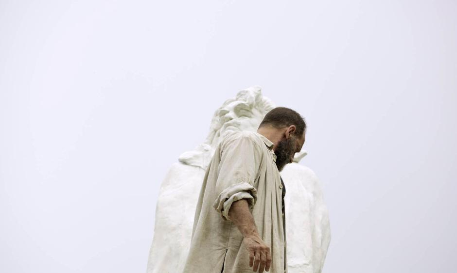 """Vincent Lindon incarne Auguste Rodin dans le nouveau long-métrage de Jacques Doillon, """"Rodin"""". © Shanna Besson / Les Films du Lendemain"""