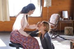 "Tania (Bryerly Long) et Leona (Geminoid F) forment l'étrange duo du drame d'anticipation ""Sayônara"", réalisé par Kôji Fukada. © Phantom Film"