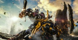 """Transformers : The Last Knight"" de Michael Bay. ©Copyright 2017 Paramount Pictures. All Rights Reserved. HASBRO, TRANSFORMERS, and all related characters are trademarks of Hasbro. / Paramount Pictures/Bay Films"
