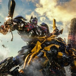 """""""Transformers : The Last Knight"""" de Michael Bay. ©Copyright 2017 Paramount Pictures. All Rights Reserved. HASBRO, TRANSFORMERS, and all related characters are trademarks of Hasbro. / Paramount Pictures/Bay Films"""